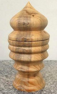 Dose aus altem Fichtenholz