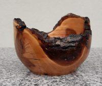 Schälchen aus Apfelholz
