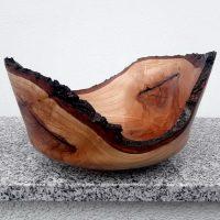 Schale aus junger Kirsche mit Rindenrand 24 x 14 cm