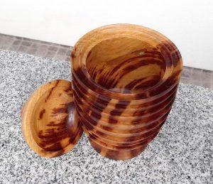 Bonbonniere aus alter Marille, 12 x 20 cm