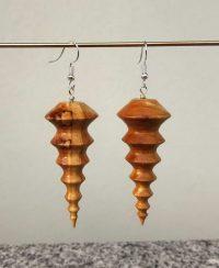 Ohranhänger aus Apfelholz