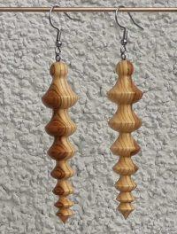 Ohranhänger China1 aus Marillenholz