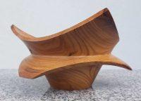 Sechseckschale aus altem Marillenholz