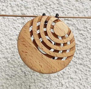 Anhänger aus Buchenholz 6 x 0,8 cm