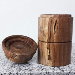 Dose aus altem Walnussholz 7,5 x 14 cm