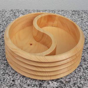 Schale Yin Yang aus Zirbenholz spitz 15 x 5 cm